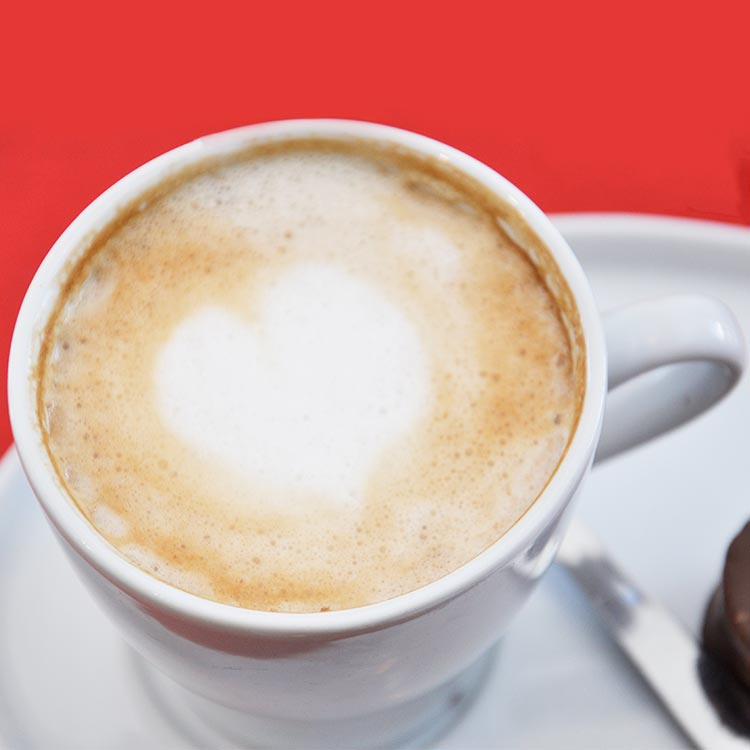 Café con leche y tostado